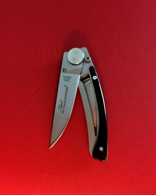 Claude-Dozorme-Lock-knife-Black-horn-handle